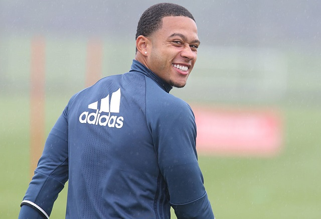 Is Memphis Depay set to join Everton?