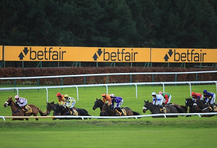 Knife can cut through rivals at Haydock