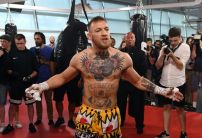 Mayweather's odds hit new high as support for McGregor continues