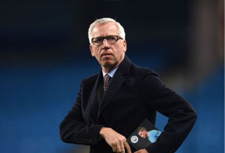 Alan Pardew short price joint-fav to take over struggling Premier League side