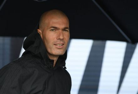 Zinedine Zidane slashed to clear favourite to be next Chelsea manager