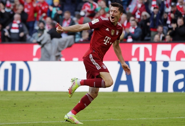 Ballon d'Or 2021 Odds: Lewandowski odds-on-favourite to pick up player of the year