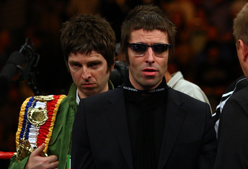 Bookies believe there's a good chance Oasis will reform in 2018