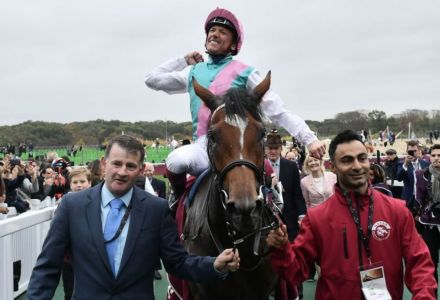 Punters pile into Enable for Yorkshire Oaks despite short price