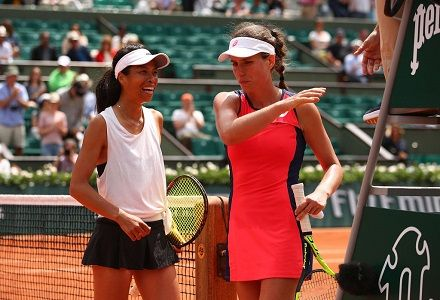 Joanna Konta knocked out of French Open in first round