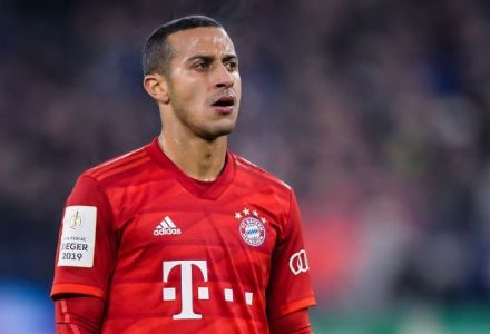 Thiago Alcantara next club: Odds cut as short as 4/7 to join Liverpool this summer