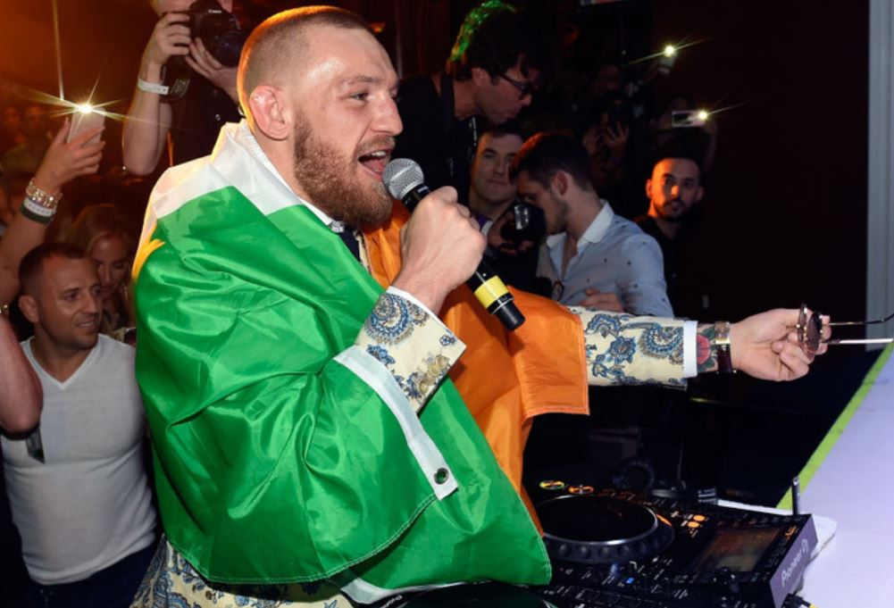 Conor McGregor opens as enormous favourite in MMA bout with Floyd Mayweather