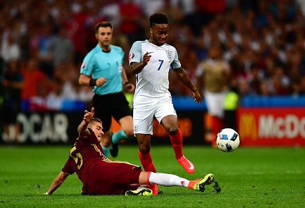Robbie Fowler: Sterling's final ball has long been an issue