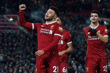 Oxlade-Chamberlain stakes claim for World Cup starting berth