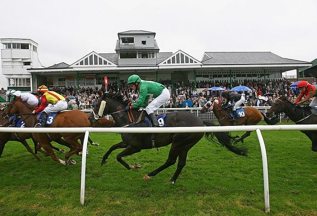 UK Horse Racing Tips: Catterick