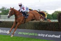 Andy Holding's Monday Racing Tips & Preview